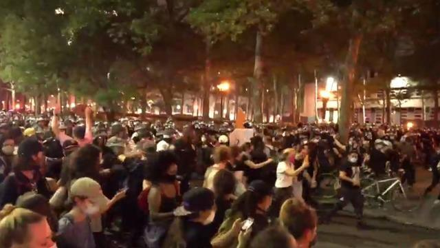 cbsn-fusion-police-crack-down-on-protesters-defying-curfew-orders-during-confrontation-in-brooklyn-thumbnail-494710.jpg