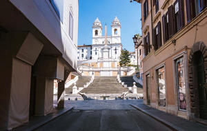 rome-lockdown-annie-ojile-spanish-steps-18.jpg
