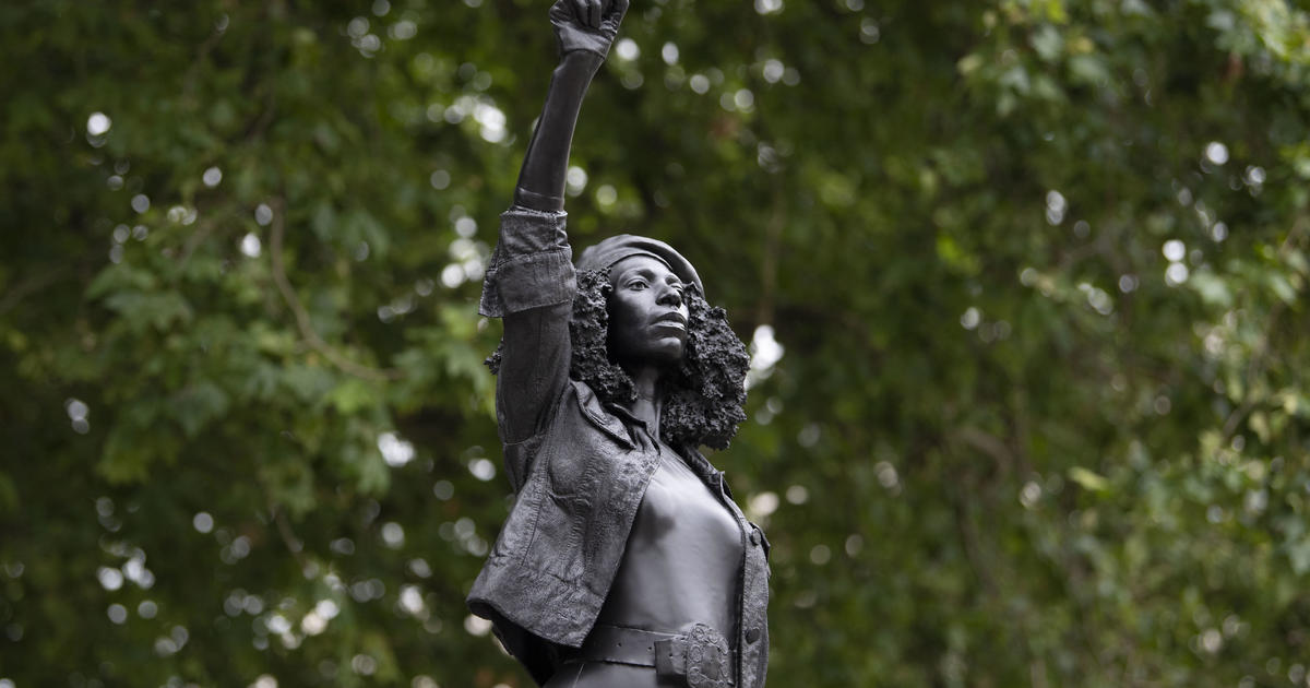 Statue of UK slave trader Edward Colston replaced with one of Black Lives Matter protester – CBS News