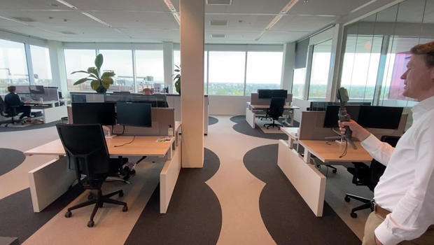 6-feet-office-desks-apart-620.jpg