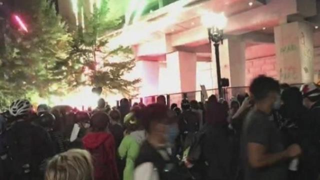 portlns-oregon-protests-nite-56-nite-of-072329-fireworks.jpg
