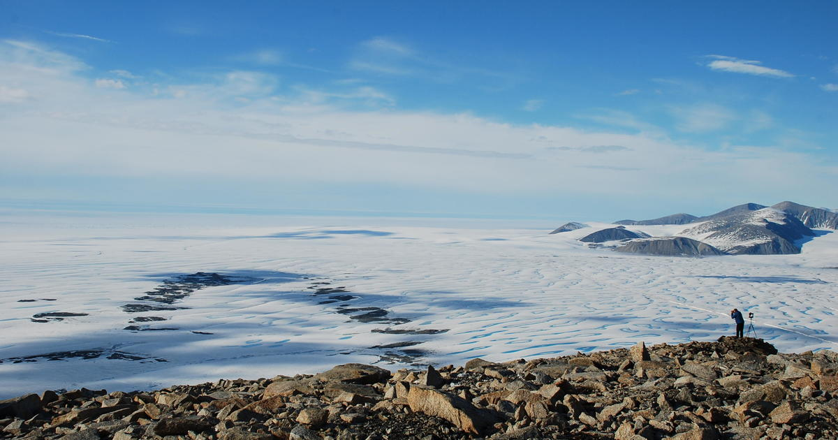 Canada's last intact Arctic ice shelf has collapsed – CBS News