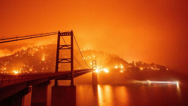 US-WILDFIRES-CALIFORNIA