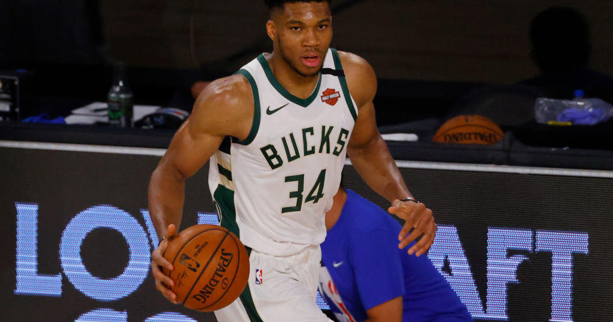 Giannis Antetokounmpo wins second straight MVP award