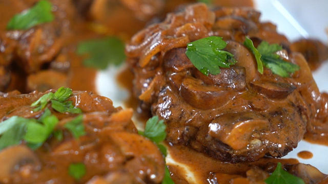 bobby-flay-salisbury-steak-1280.jpg