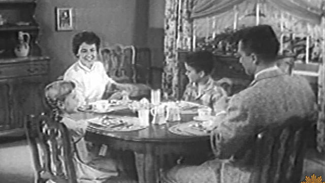 family-dinner-table-1280.jpg