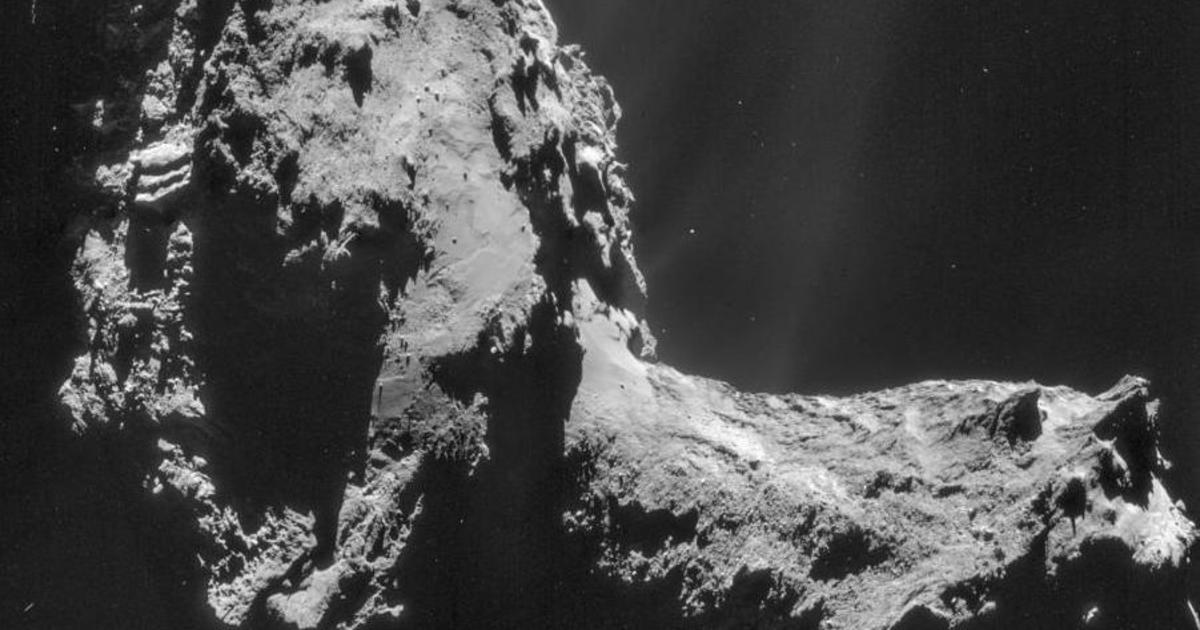 "Astronomers find ""northern lights"" surrounding Rosetta's famous comet for the first time"