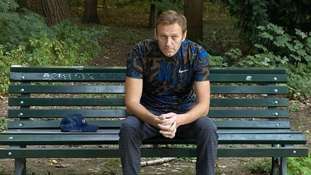 cbsn-fusion-alexei-navalny-discharged-from-berlin-hospital-russian-poisoning-thumbnail-553001-640x360.jpg