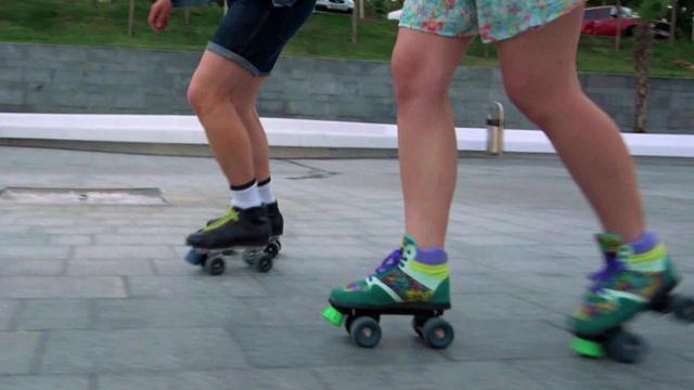 rollerskating-b-1280.jpg