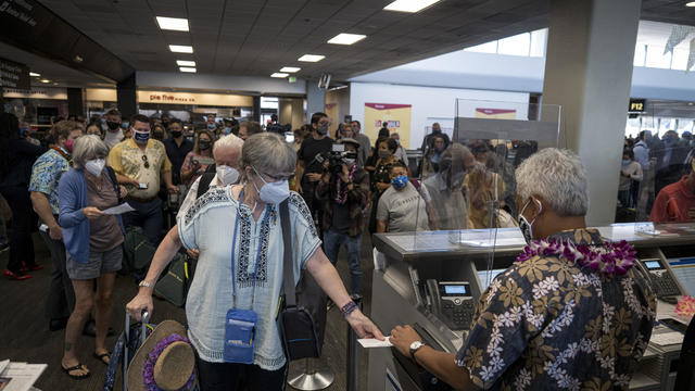 United & Hawaiian Airlines To Offer Hawaii-bound Passengers Rapid Coronavirus Tests