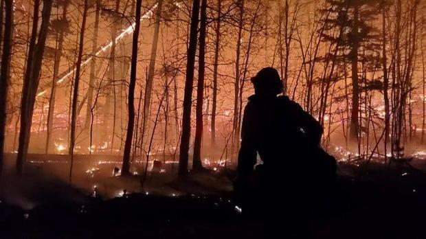 Cameron Peak Fire burns outside Drake