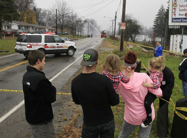 Small plane crashes into Ohio building; at least 9 feared dead