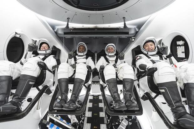 crew1-capsule.jpg