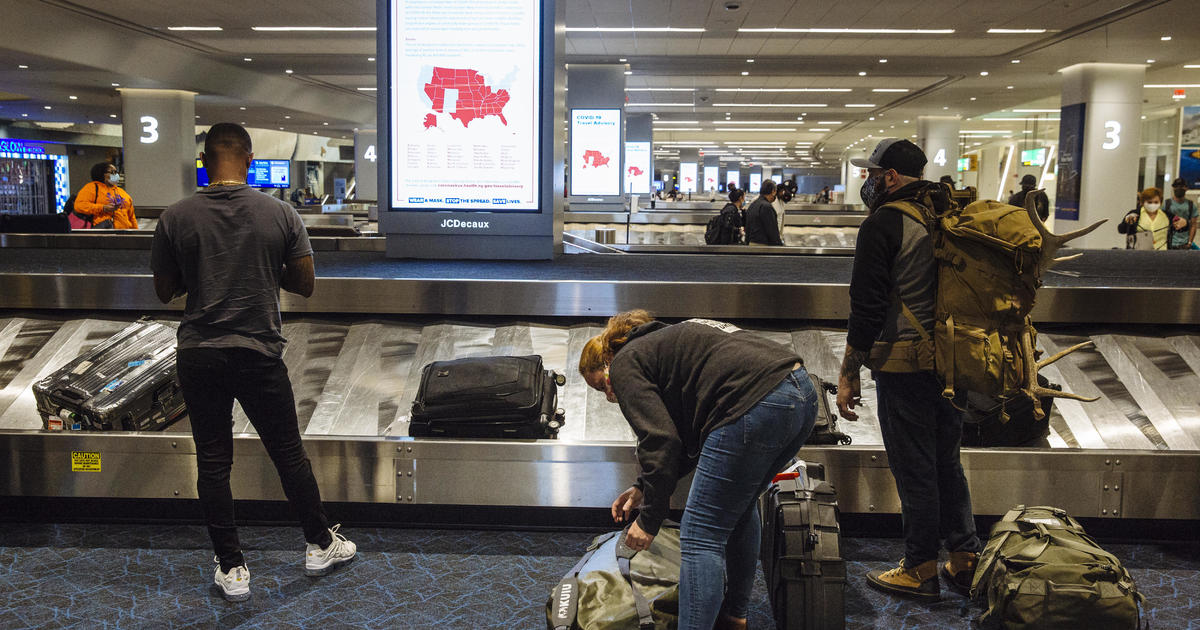 Americans planning holiday travel could add to COVID-19 surge