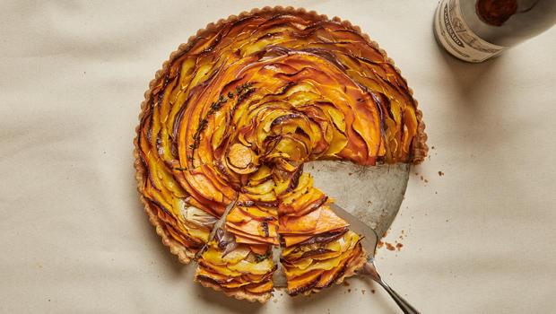 squash-and-caramelized-onion-tart-bon-appetit-620.jpg