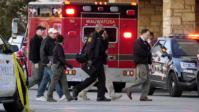Mall shooting Wisconsin