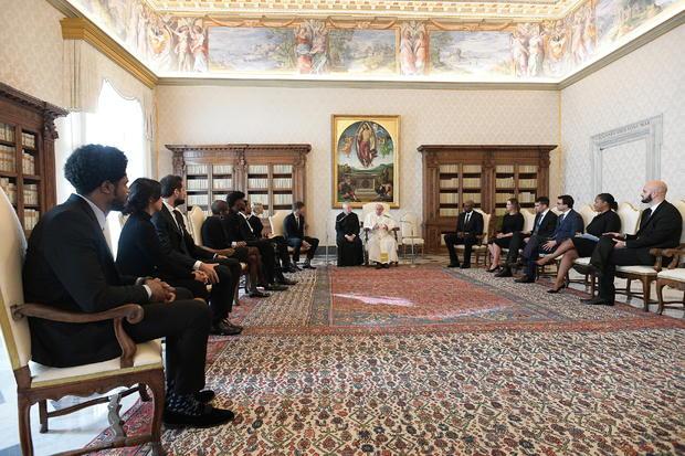 Pope Francis meets NBA delegation at Vatican