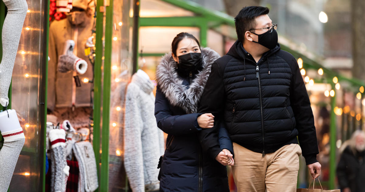 As more states lift mandates, most major retailers still require face masks
