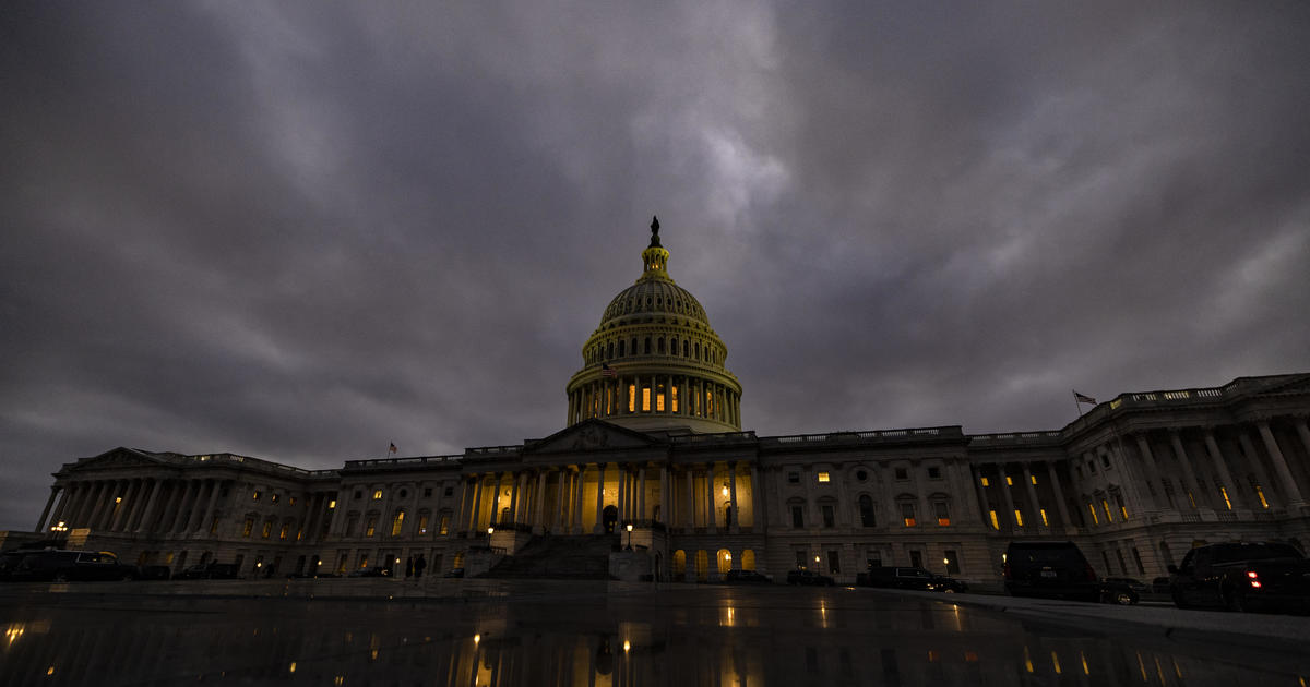 How does Congress count electoral votes and can results be contested?