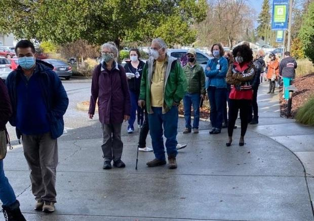 line-for-emergency-distribution-shots-of-moderna-covid-vaccine-at-advent-health-in-mendocino-county-california-010421.jpg