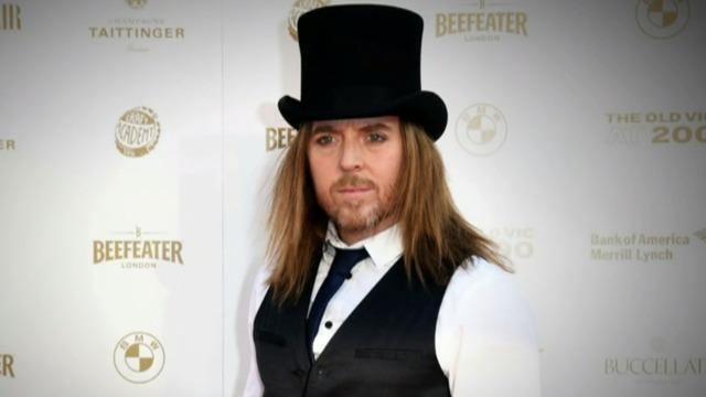 cbsn-fusion-tim-minchin-is-serious-about-musical-satire-thumbnail-627713-640x360.jpg
