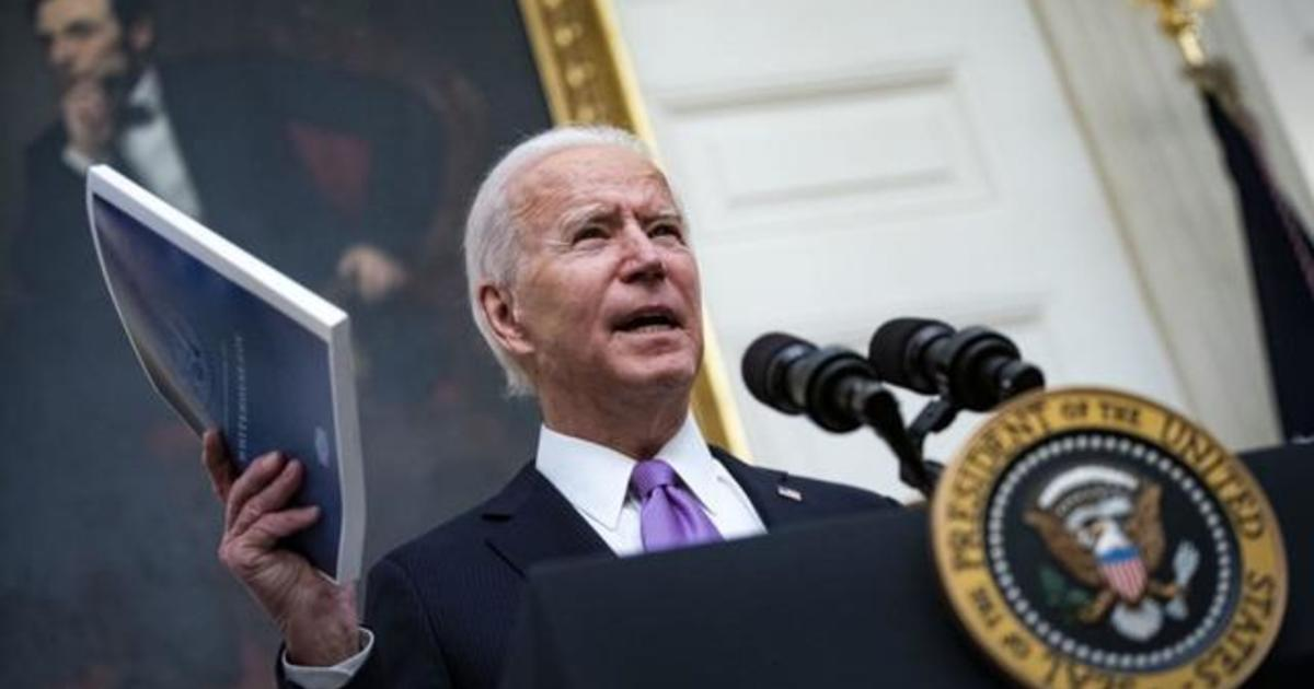 Biden signs executive orders on stimulus checks food stamps and minimum wage – CBS News