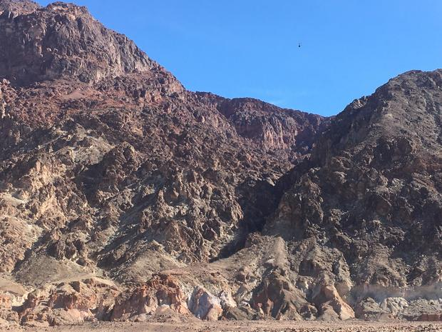 deimos-canyon-h-82-7-960-pixels-wide.jpg
