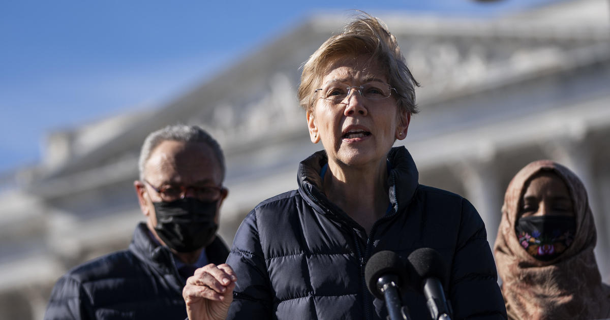 Warren invites billionaire critic to hearing on raising his taxes