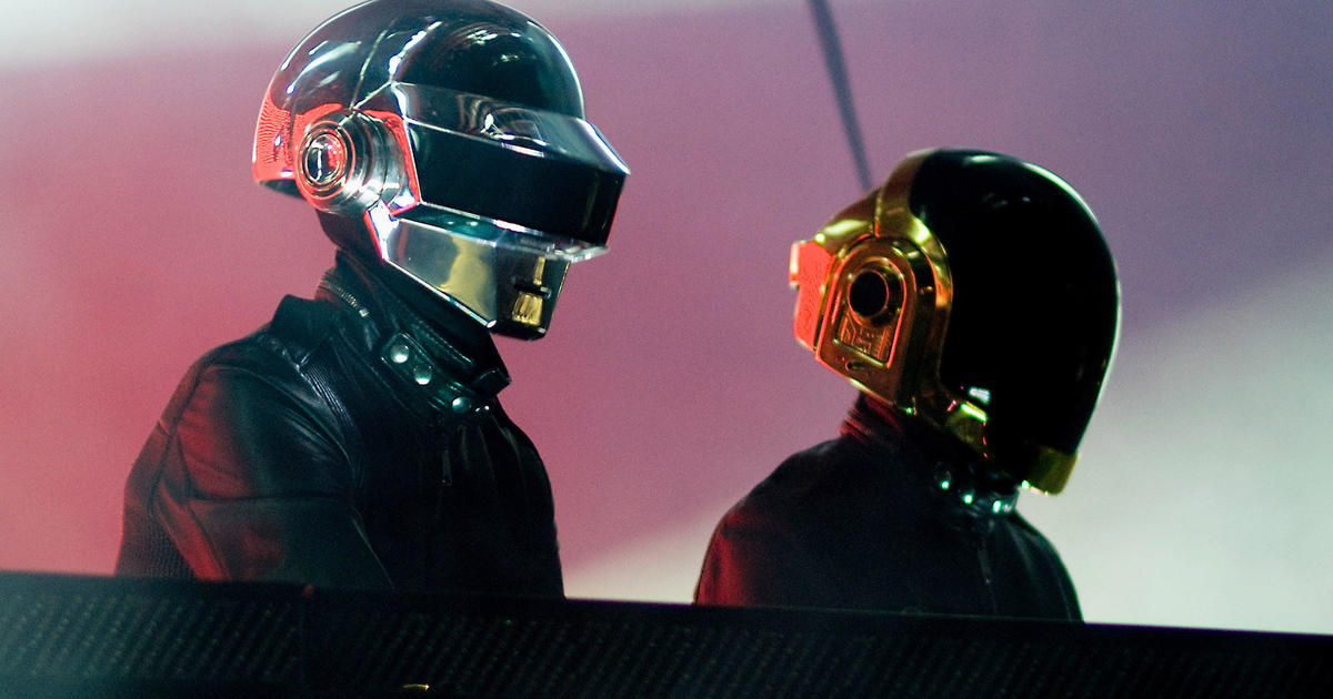 Daft Punk is splitting up after 28 years - CBS News