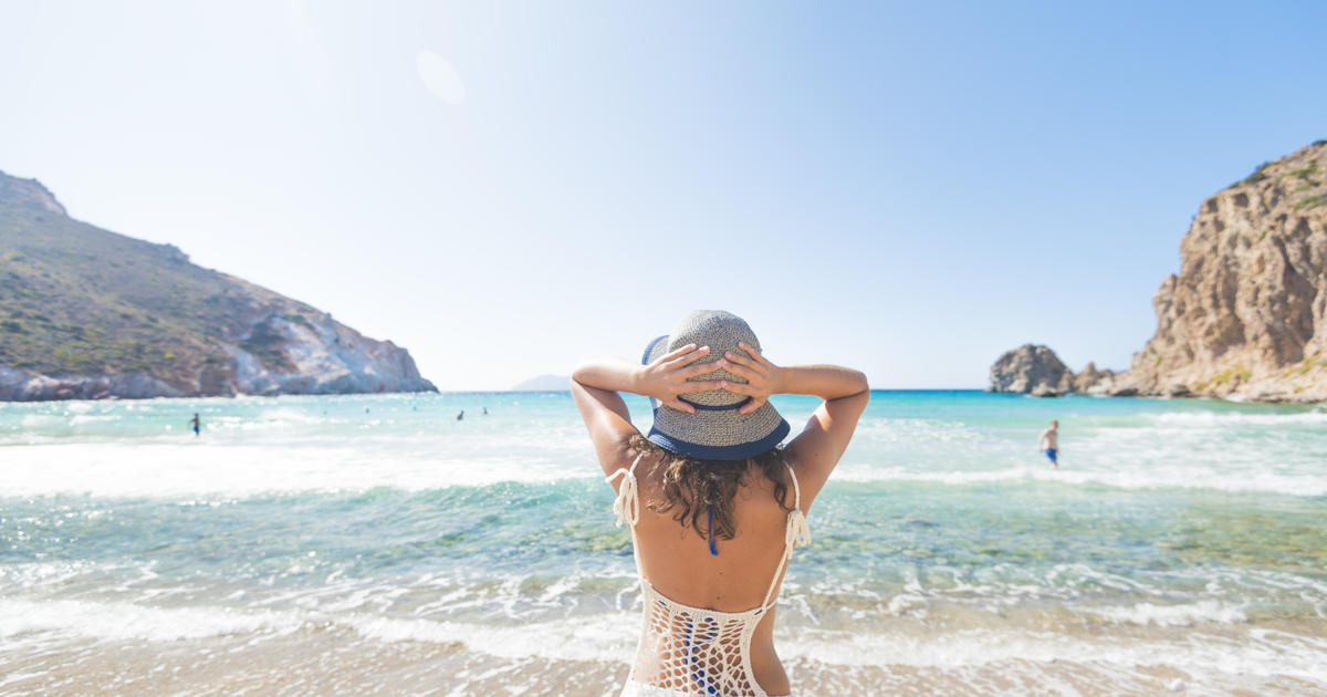 Early signs of life in travel industry as COVID-19 vaccines revive Americans' wanderlust