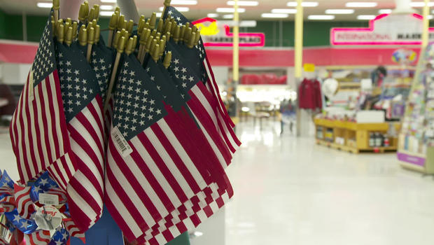 american-flags-at-point-roberts-store-620.jpg