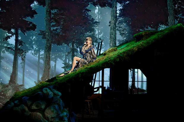 Taylor Swift — Grammy Awards 2021