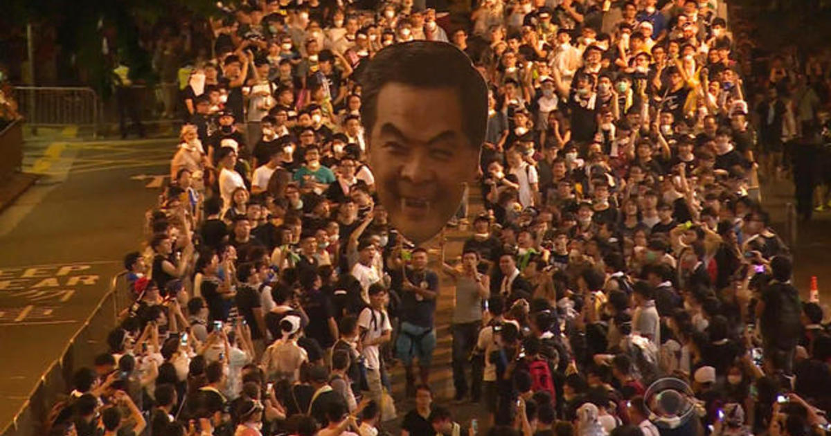 Hong Kong protesters digging in