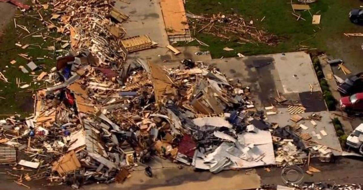 Twister nearly wipes out Kentucky town