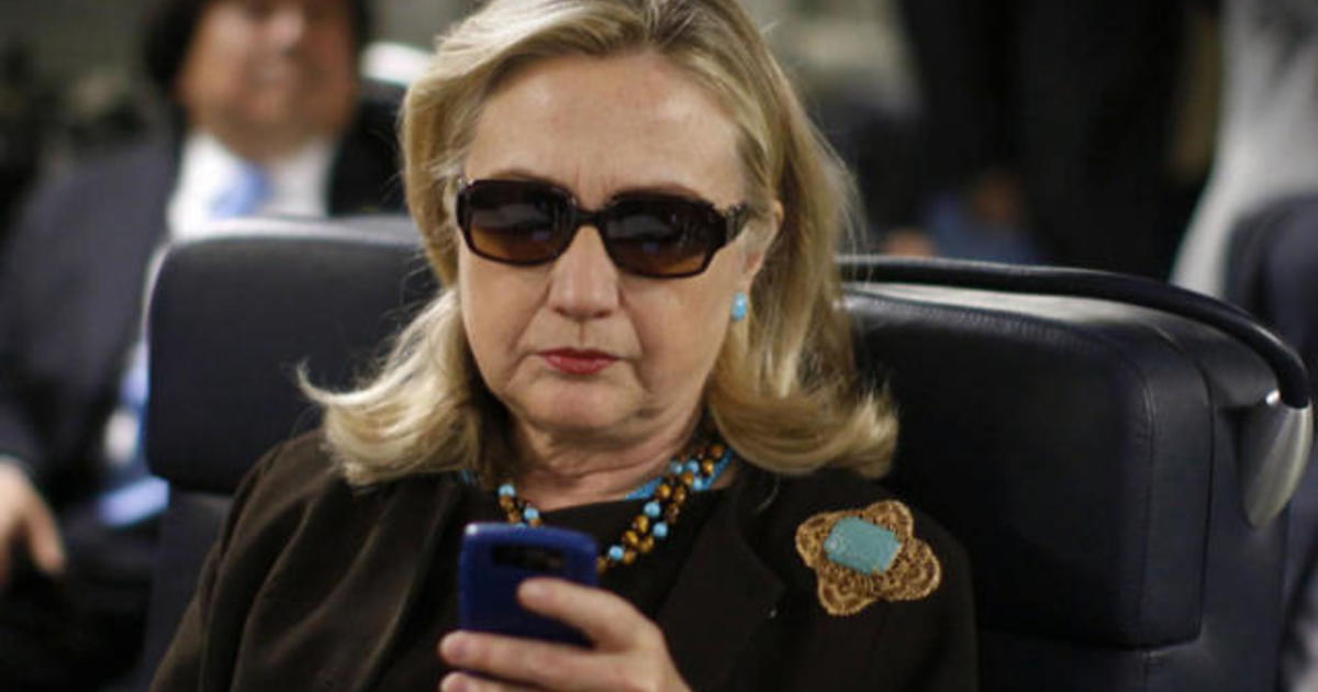 Email hacks reveal Clinton campaign's transparency problems