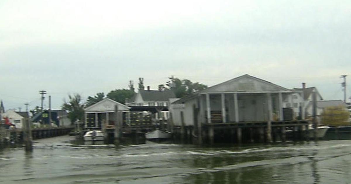 Residents of sinking Virginia island plead for Trump's help