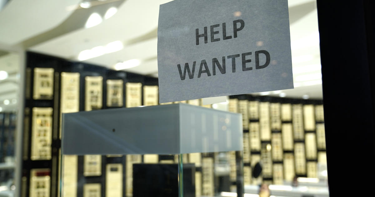 Don't worry about that COVID resume gap, career expert says. Here's why.
