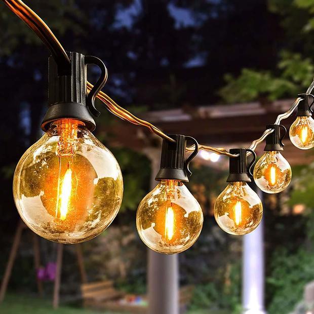 outdoorstringlights.jpg