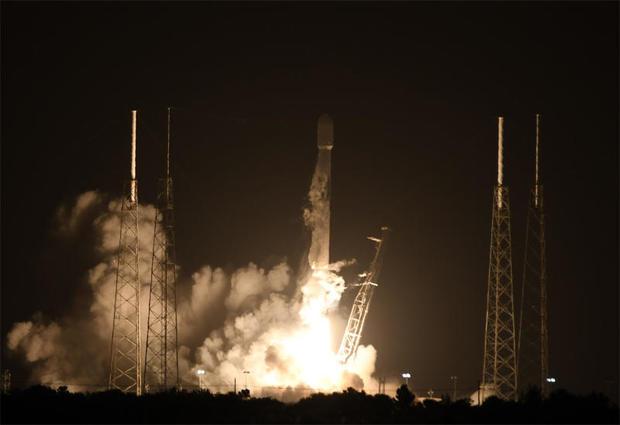 060621-launch1.jpg