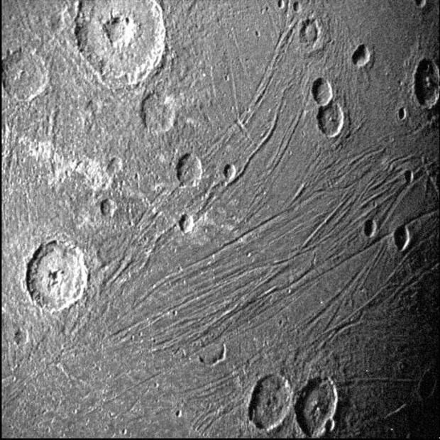 060821-ganymede2.jpg