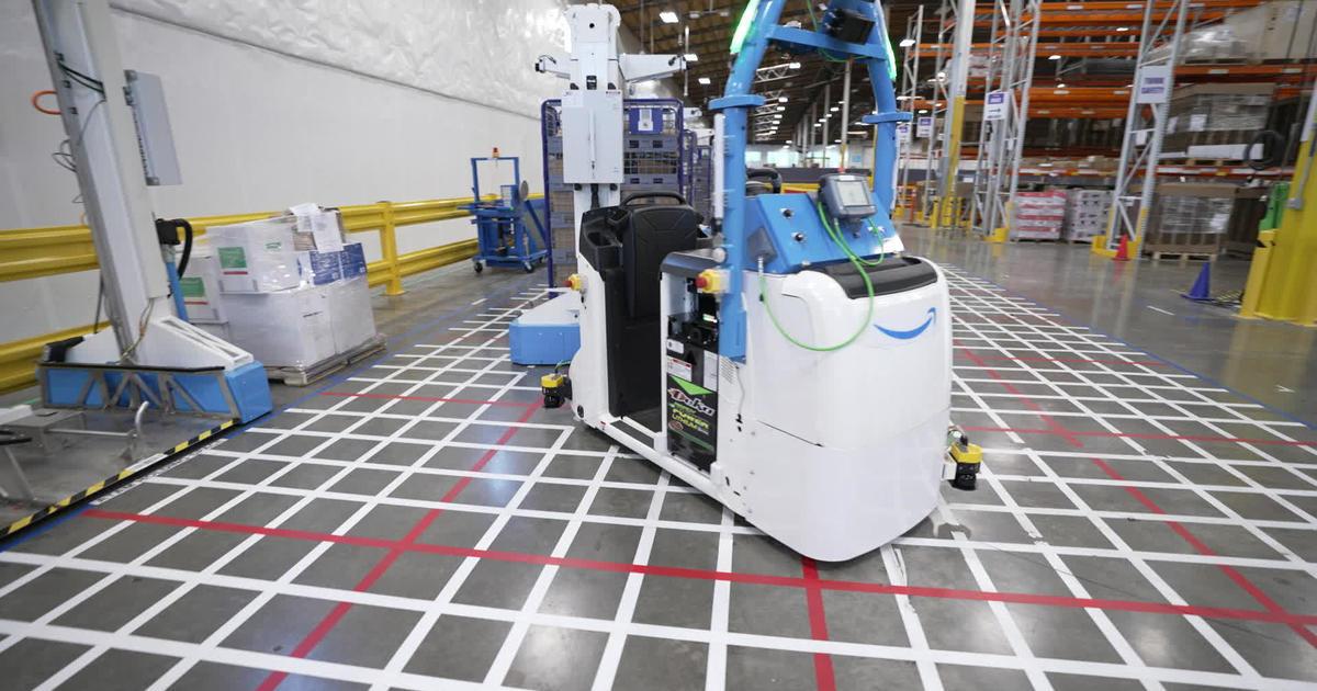 Meet the robots inside Amazon's fulfillment centers