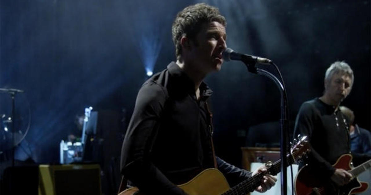 """Saturday Sessions: Noel Gallagher performs """"Don't Look Back in Anger"""""""