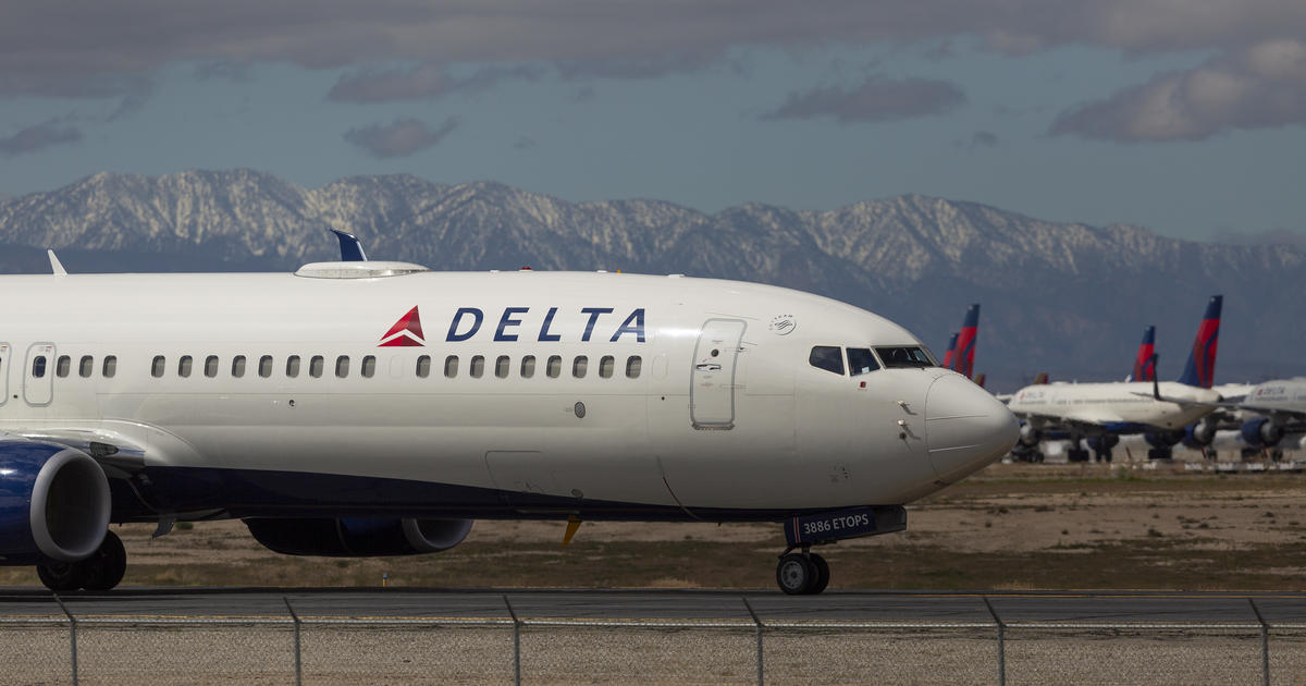 Delta has banned more than 1,600 unruly passengers. Now, it wants airlines to share ban lists. – CBS News