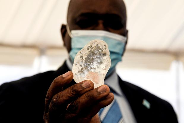 BOTSWANA-MINING-DIAMOND
