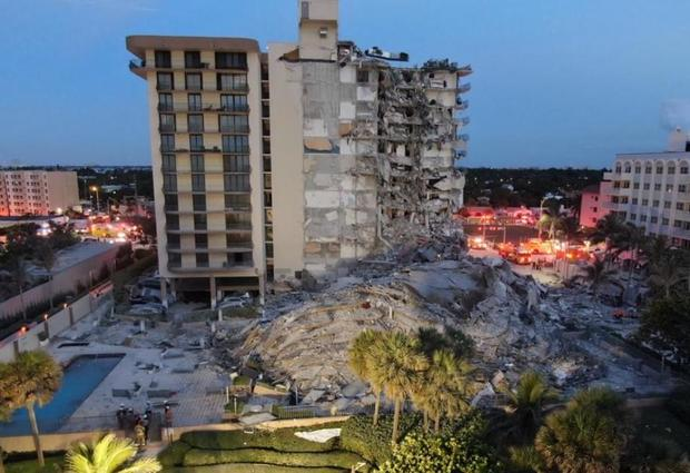 surfside-florida-partial-building-collapse-062421-from-distance.jpg