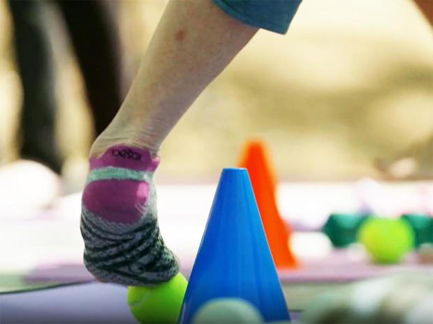 pilobolus-foot-balance-1280.jpg