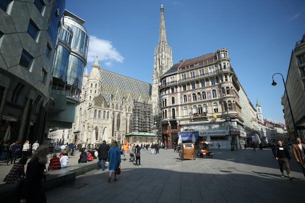 Shopping malls reopened in Vienna