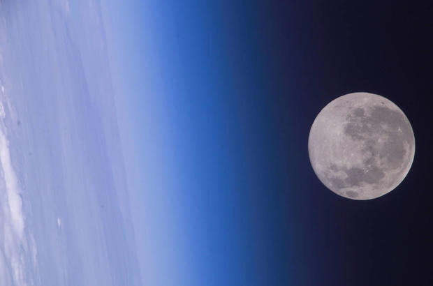 moonfromorbit.jpg