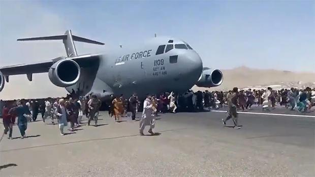 kabul-airport-sudhir-chaudhary-twitter.jpg