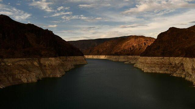 cbsn-fusion-federal-officials-declare-first-ever-water-shortage-for-colorado-river-thumbnail-774570-640x360.jpg